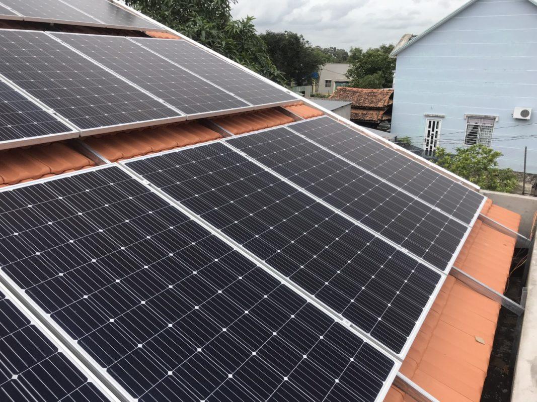 điện mặt trời mái ngói