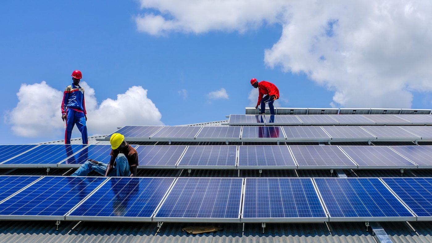 hệ thống điện năng lượng mặt trời nhà xưởng