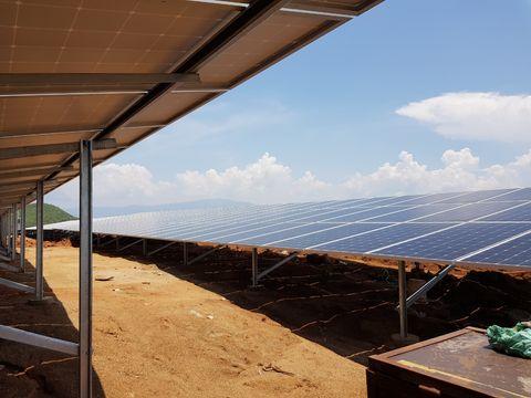 Hệ thống điện năng lượng mặt trời giá bao nhiêu